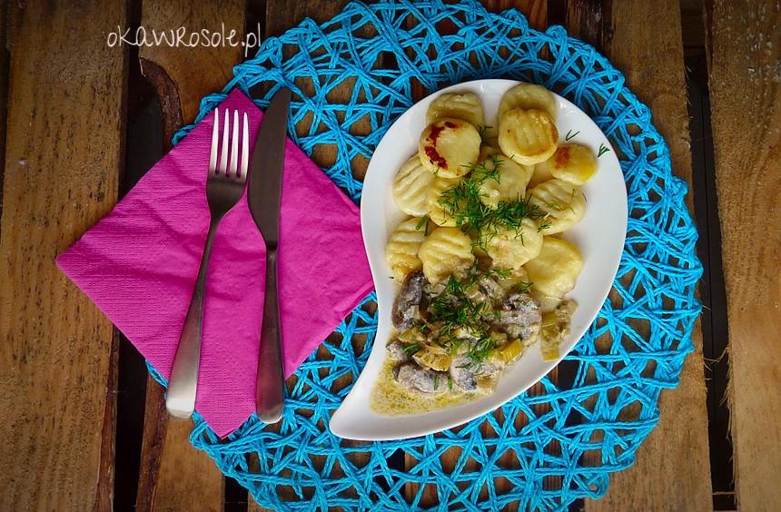 Gnocchi z ziemniaków z sosem pieczarkowym