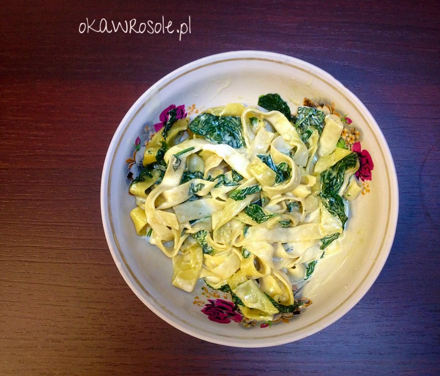 Makaron tagliatelle ze szpinakiem i serkiem mascarpone – bezmięsny obiad w kwadrans